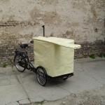 mobiles büro auf einem fahrrad