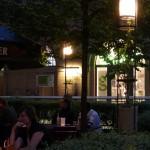 leuchte im von schwechten gestalteten biergarten in der kulturbrauerei berlin