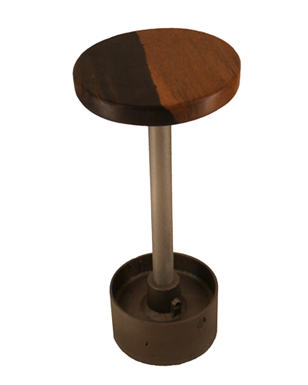 spindelhocker mit ebenholz sitzfläche und transmissionsrad