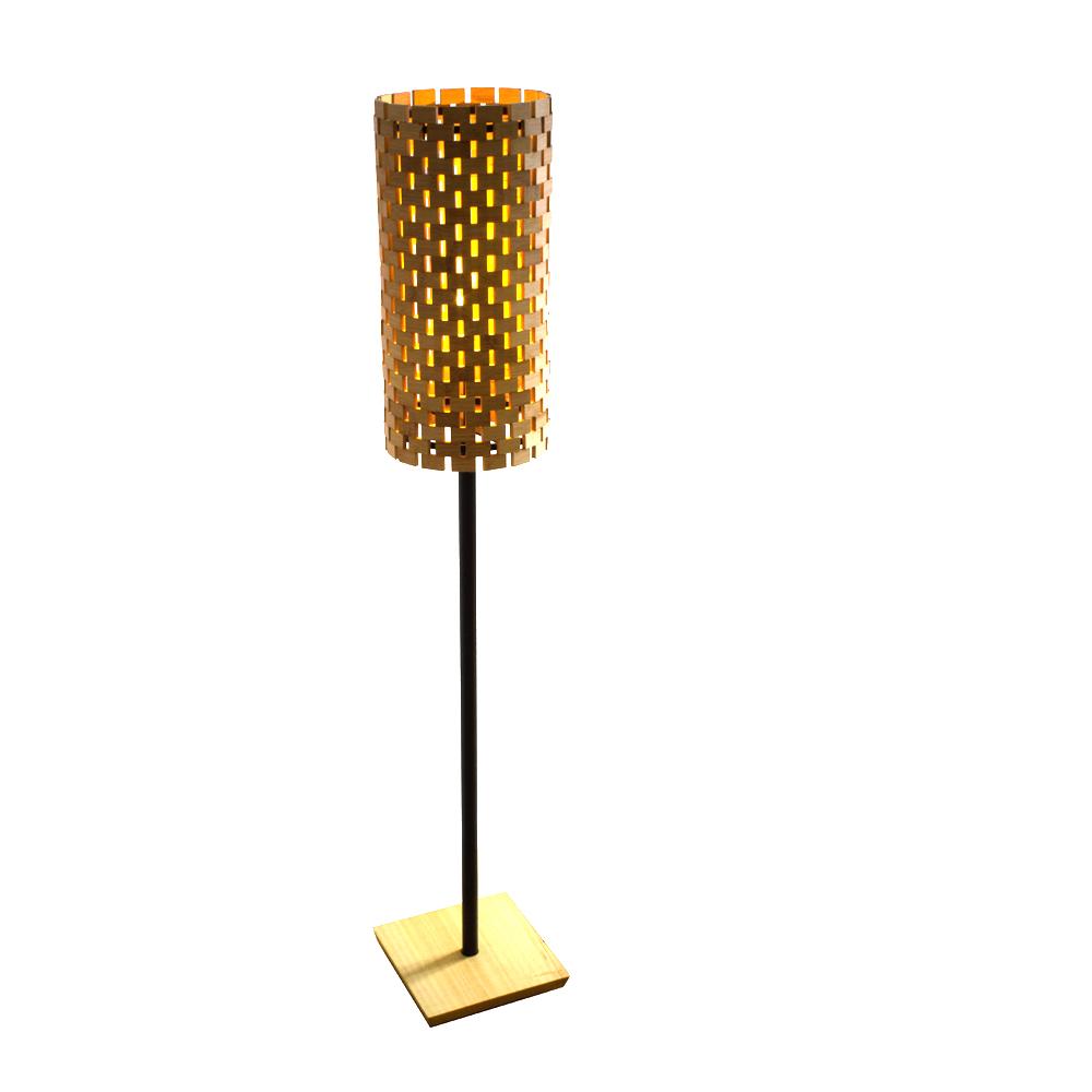 stehlampe aus bambus und abachi