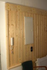 Bretterwand aus Fichtenholz
